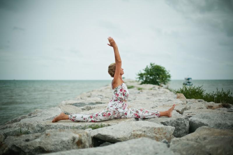 Инструктор йоги в Паттайе шпагат
