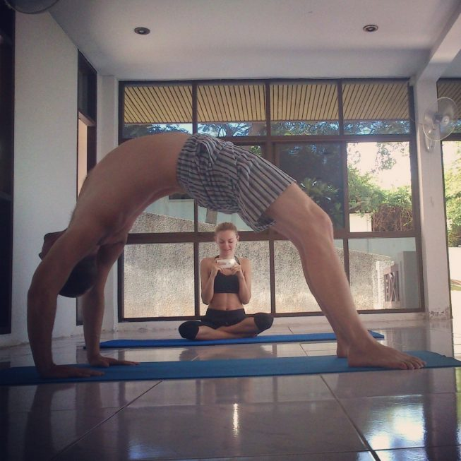 Асана Мостик, йога Паттайя