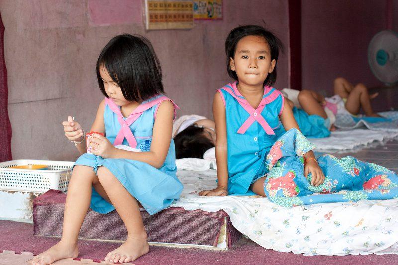 Тайский детский сад. Сон час начинается
