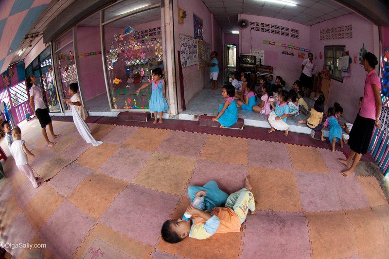 Суматоха в детском саду Таиланда