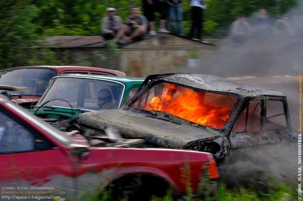 Сибирский кармагеддон - гонки старых машин в Академгородке (39)