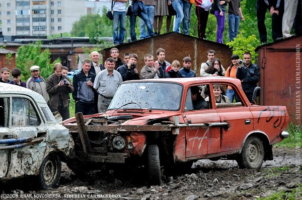 Сибирский кармагеддон - гонки старых машин в Академгородке (45)