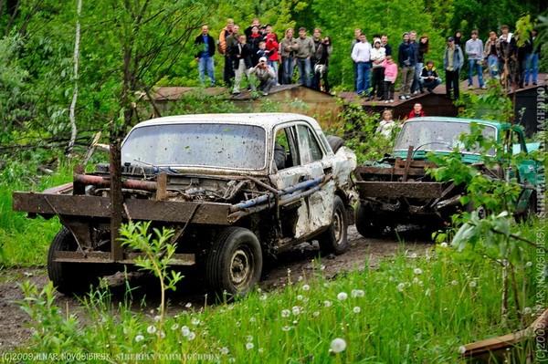 Сибирский кармагеддон - гонки старых машин в Академгородке (53)