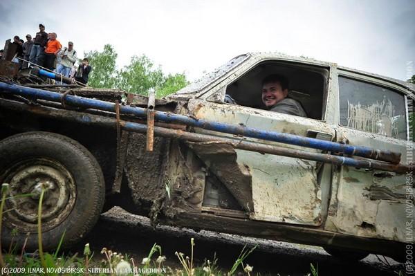 Сибирский кармагеддон - гонки старых машин в Академгородке (54)