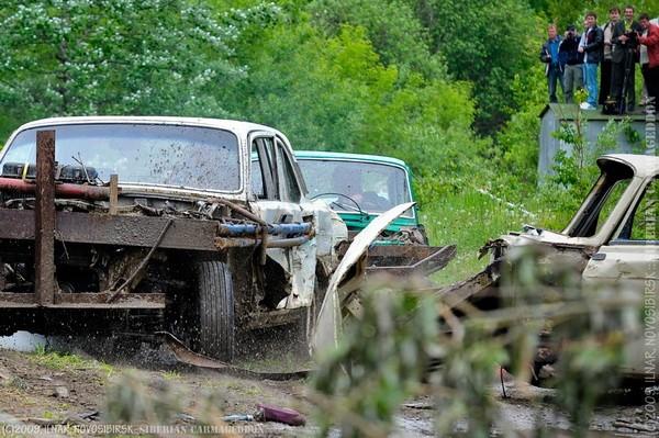 Сибирский кармагеддон - гонки старых машин в Академгородке (40)