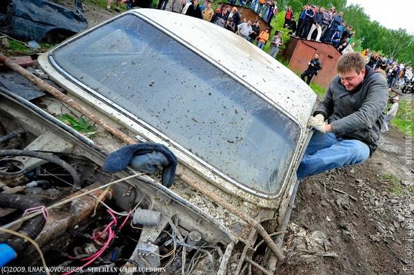 Сибирский кармагеддон - гонки старых машин в Академгородке (46)