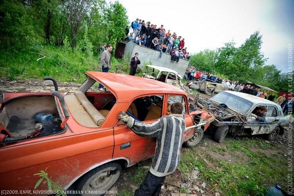 Сибирский кармагеддон - гонки старых машин в Академгородке (43)