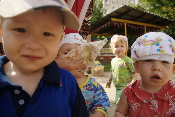 Дети из дома малютки фото новосибирск