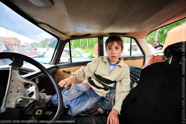Сибирский кармагеддон - гонки старых машин в Академгородке (50)