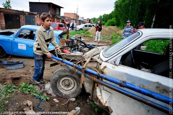 Сибирский кармагеддон - гонки старых машин в Академгородке (52)
