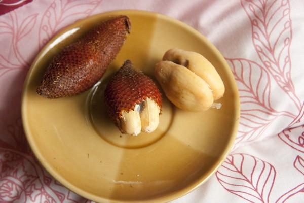 Сала - фрукт в Таиланде