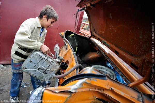 Сибирский кармагеддон - гонки старых машин в Академгородке (55)