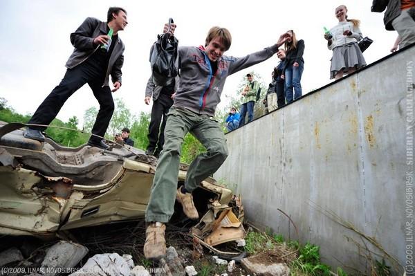 Сибирский кармагеддон - гонки старых машин в Академгородке (38)