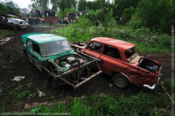 Сибирский кармагеддон - гонки старых машин в Академгородке (29)