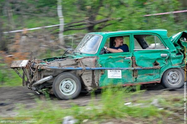 Сибирский кармагеддон - гонки старых машин в Академгородке (47)
