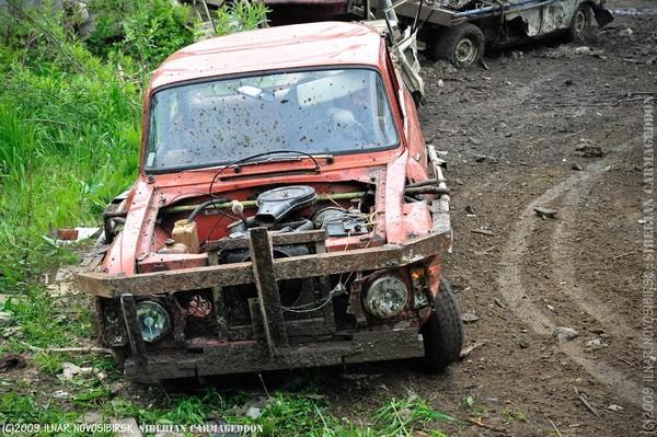 Сибирский кармагеддон - гонки старых машин в Академгородке (31)