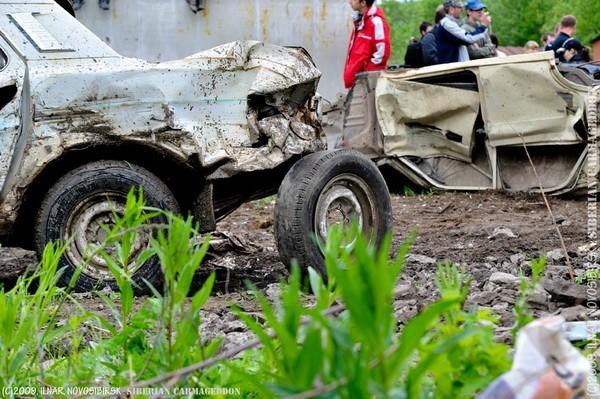 Сибирский кармагеддон - гонки старых машин в Академгородке (33)