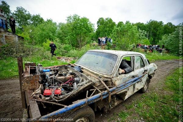 Сибирский кармагеддон - гонки старых машин в Академгородке (32)