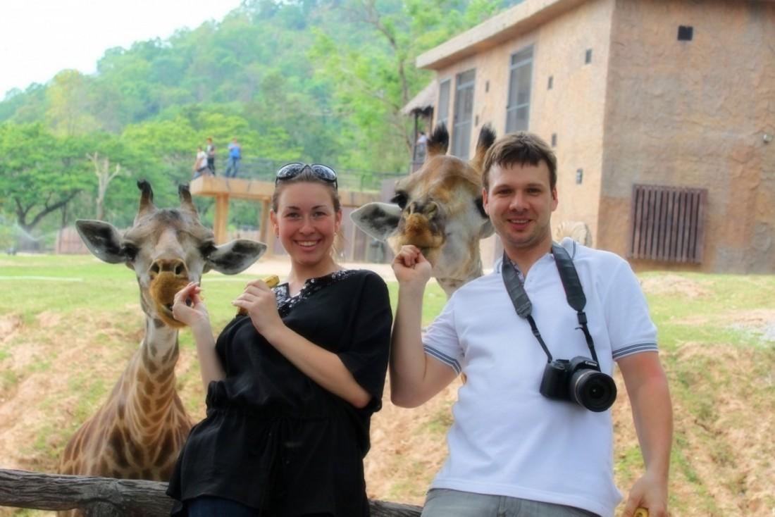 Люди и Жирафы