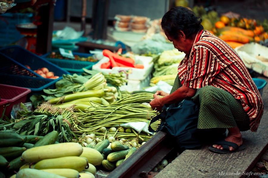 Таиланд. Рынок на железной дороге Maeklong Railway Market. Фоторепортаж и как добраться