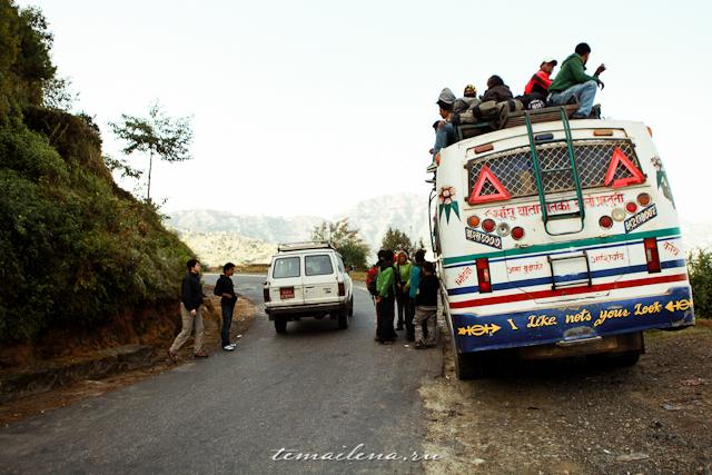 Автобус в Непале