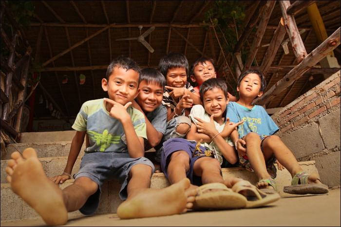 Дети нелегалов в Таиланде на Ко Чанге