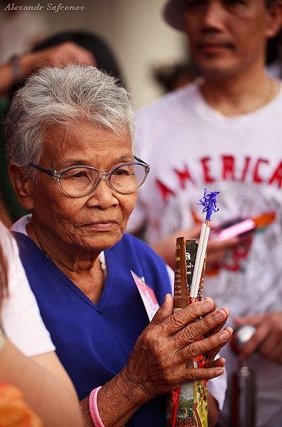 Массовое подаяние монахам в Бангкоке, фоторепортаж (34)