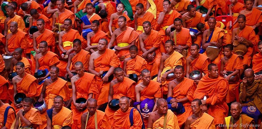 Монахи в Бангкоке