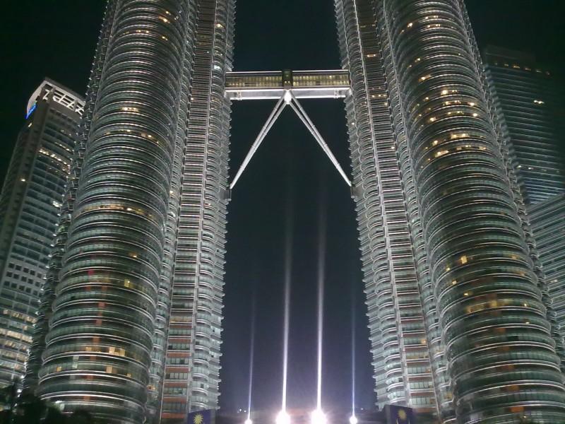 Башни близнецы
