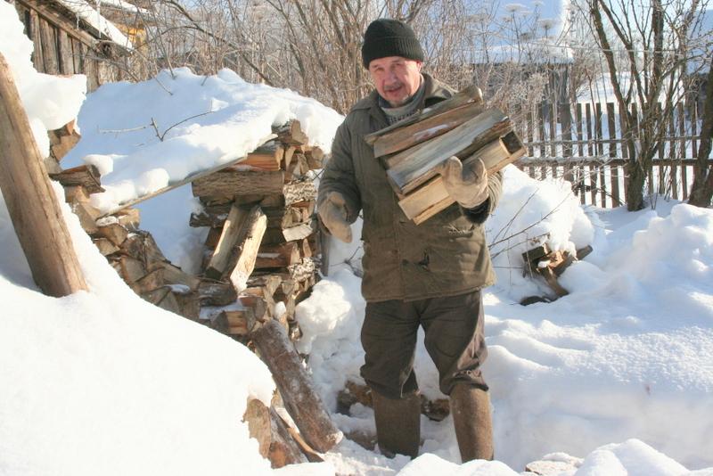 Мужик с дровами