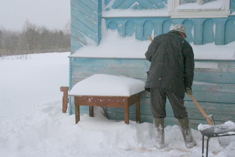 Снегопад в деревне (40)