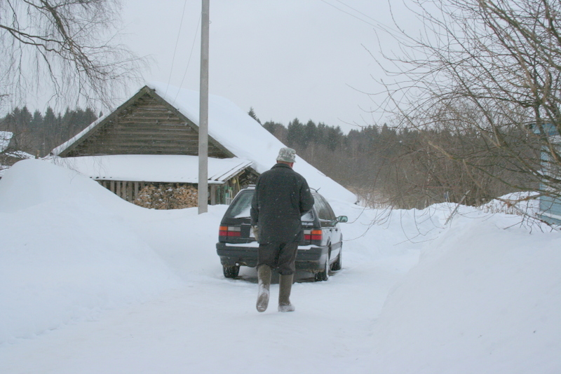 Снегопад в деревне (29)