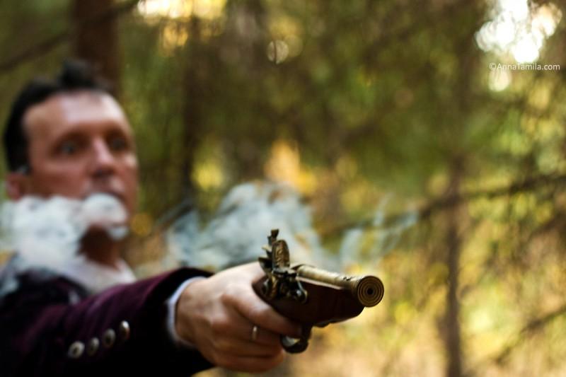 Костюшкин с пистолетом Коридор