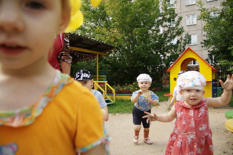 Дети в доме ребенка