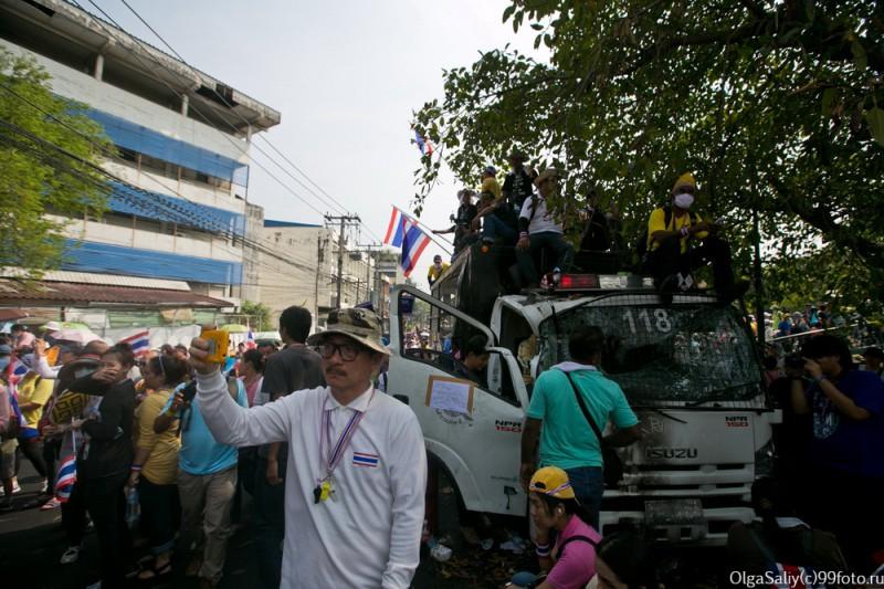 Митинги Бангкок Тайланд (23)
