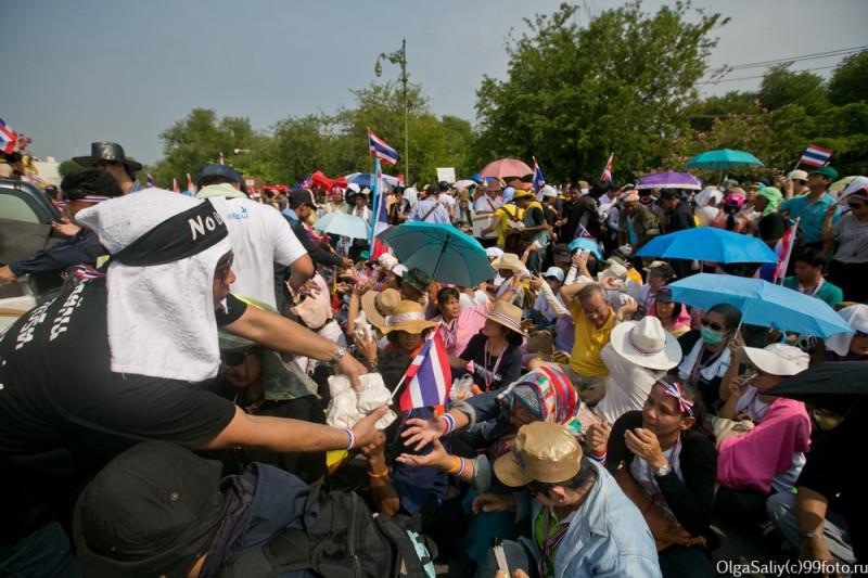 Митинги Бангкок Тайланд (18)