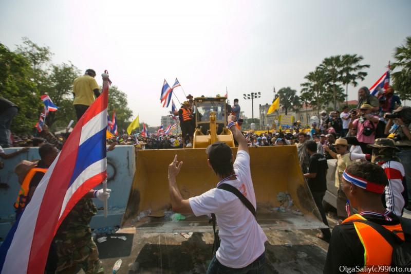 Митинги Бангкок Тайланд (5)