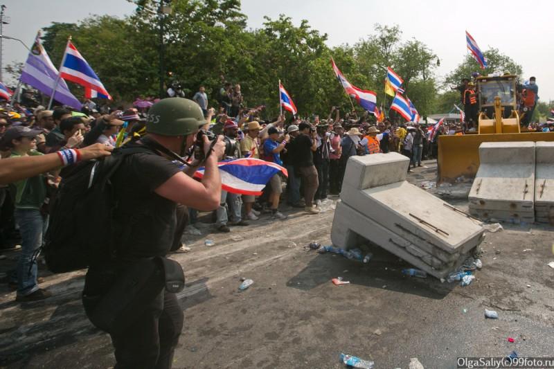 Митинги Бангкок Тайланд (4)