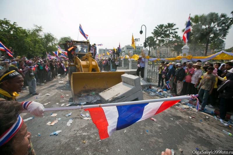 Митинги Бангкок Тайланд (3)