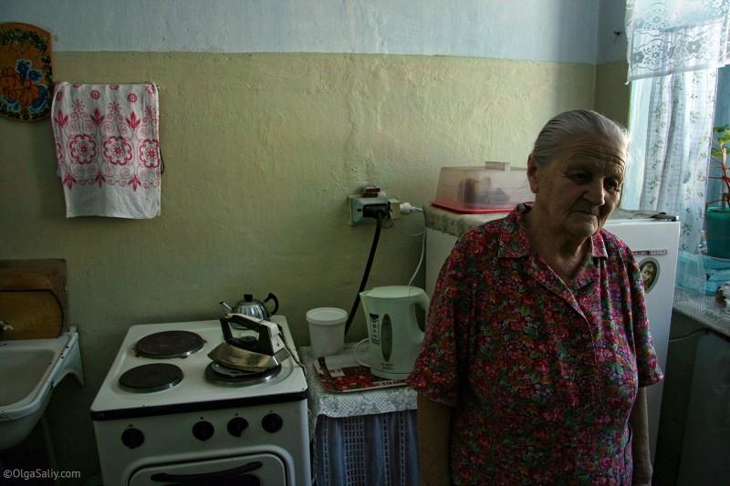 Бабушка в селе Томское