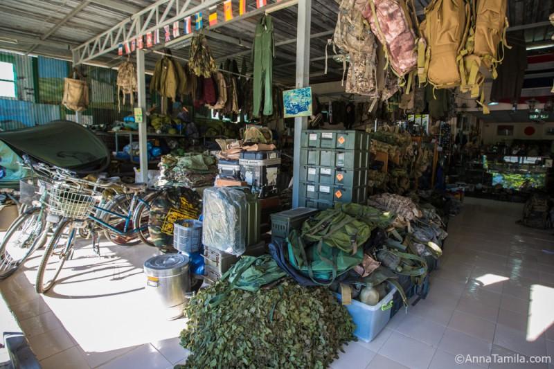 Военный магазин в Паттайе (7)