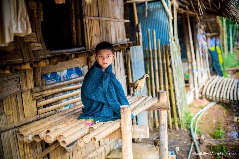 Мальчик в лагере беженцев Тайланд