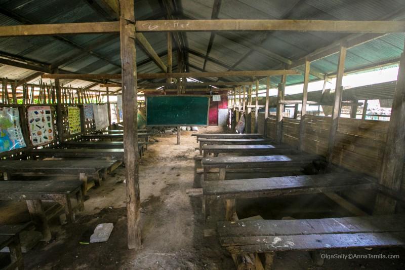 Школа в МаеЛа лагере беженцев