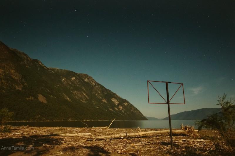 Ночной пейзаж на Алтае, телецкое озеро