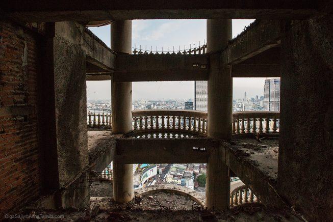 Заброшенный небоскреб, Таиланд