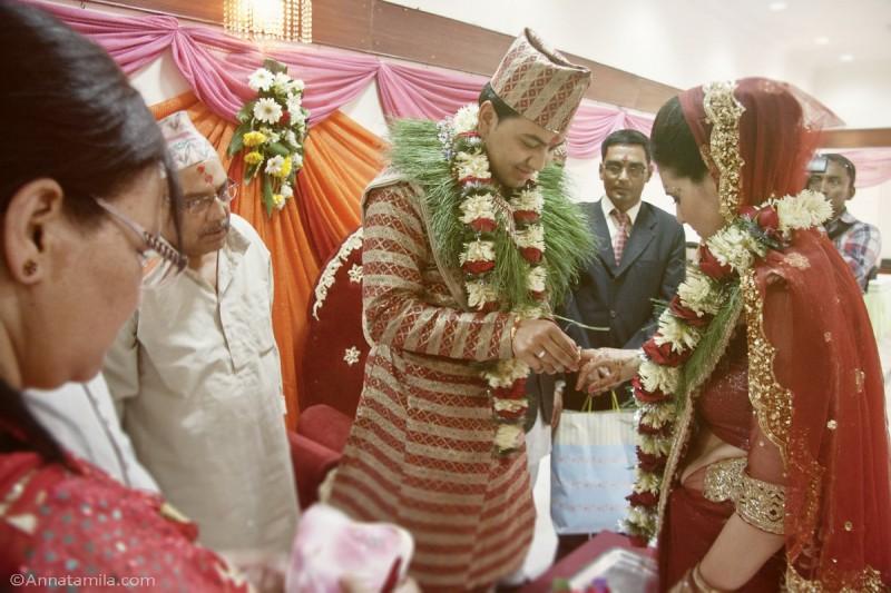 Обмен кольцами, свадьба в Непале