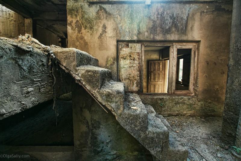 Заброшенный цементный завод в Катманду (25)