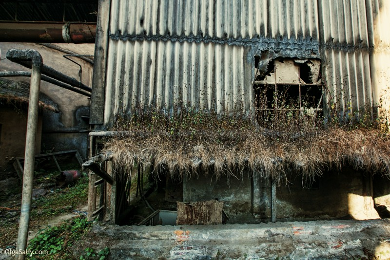 Заброшенный цементный завод в Катманду (23)
