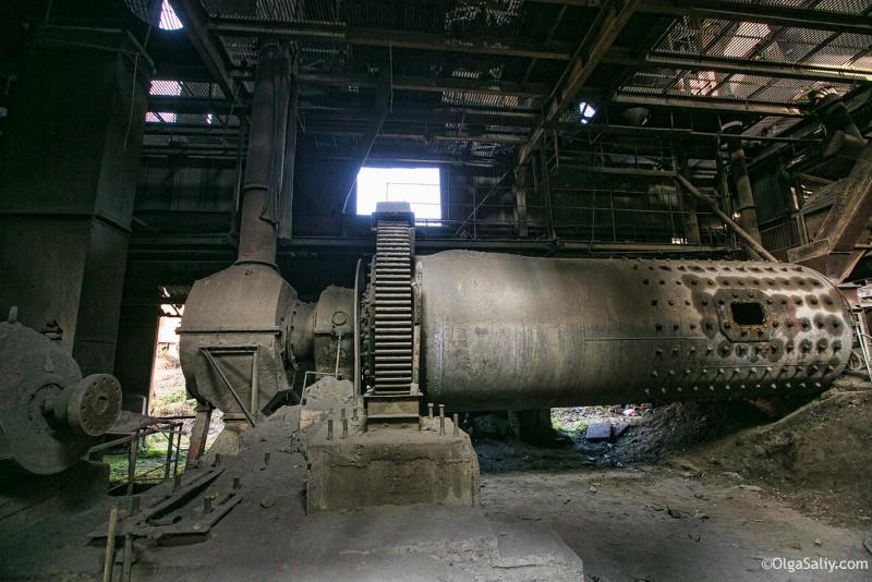Заброшенный цементный завод в Катманду (19)