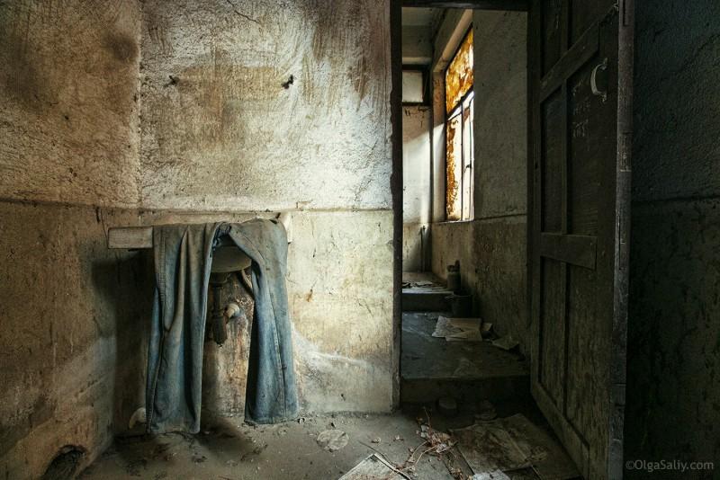 Заброшенный цементный завод в Катманду (5)